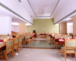 Hotel pooram international the best 4 star hotel in for Aroma indian chinese cuisine
